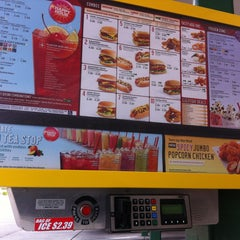 Photo taken at SONIC Drive In by Mario on 4/19/2013