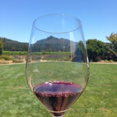 Photo taken at St. Francis Winery & Vineyards by Liane B. on 7/25/2015