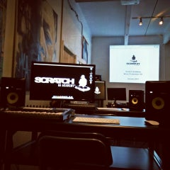 Photo taken at Scratch DJ Academy by somejerk on 1/10/2015