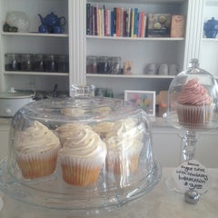 Photo taken at Fairy Cakes Cupcakery by Tina D. on 10/26/2012