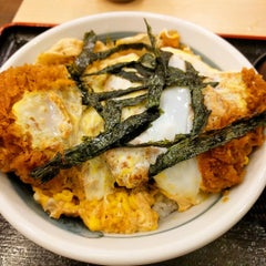 Photo taken at 松乃家 中野店 by Yuta T. on 12/26/2015