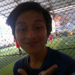 Photo taken at Cimahpar Futsal by Bayu T. on 8/31/2013