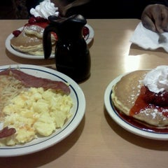Photo taken at IHOP by Loco P. on 11/1/2012