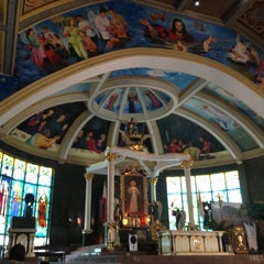 Photo taken at National Shrine of the Divine Mercy by Meryan on 3/31/2013