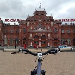 Photo taken at Ж/Д вокзал Казань-1 / Kazan Train Station by Lunegov on 7/18/2013