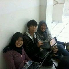 Photo taken at Kampus BSI  Bogor by Renny W. on 11/30/2012