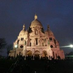 Photo taken at Basilique du Sacré-Cœur de Montmartre by Wilfred B. on 3/27/2013
