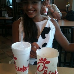 Photo taken at Chick-fil-A by Cori S. on 7/13/2012