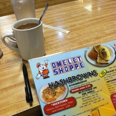 Photo taken at Omelet Shoppe by Carolyn E. on 7/9/2013
