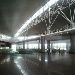 Photo taken at Aeroporto Internacional de Maceió / Zumbi dos Palmares (MCZ) by Everton L. on 3/14/2013