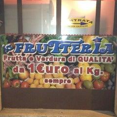 Photo taken at La Frutteria by DylanDogTO on 2/11/2012