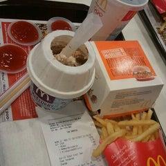 Photo taken at McDonald's Kota Bharu Drive Thru by Seri K. on 12/2/2011