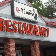 Photo taken at Q-Time Restaurant by kiovani s. on 9/16/2011