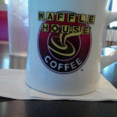 Photo taken at Waffle House by Frankie F. on 3/16/2012