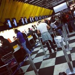 Foto tirada no(a) Check-in TAM por F. C. N. em 10/21/2011