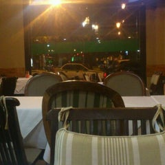 Photo taken at Cedros Restaurante by Eduardo R. on 2/28/2012