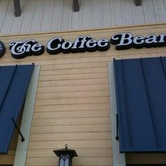 Photo taken at The Coffee Bean & Tea Leaf® by Doug M. on 12/29/2010