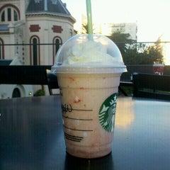 Photo taken at Starbucks by Maria Paz C. on 12/25/2011