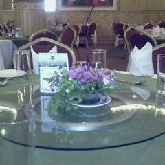 Photo taken at Havelis Handi Resturant (capital Center) by Keli M. on 9/12/2011