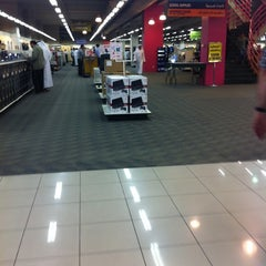 Photo taken at Jarir Bookstore | مكتبة جرير by Khalid A. on 4/16/2012
