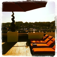 Photo taken at Penthouse Pool Club by Ted E. on 5/11/2012