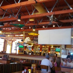 Photo taken at Red Robin Gourmet Burgers by George P. on 6/9/2012