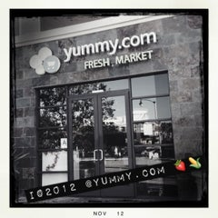 Photo taken at Yummy.com by 💕i /@yumyum.in.the.tumtum on 11/20/2012