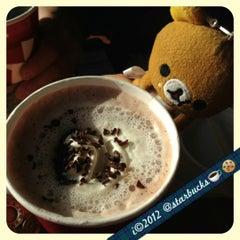 Photo taken at Starbucks by 💕i /@yumyum.in.the.tumtum on 12/9/2012