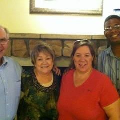 Photo taken at Olive Garden by Thom R. on 9/18/2013