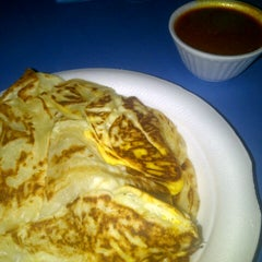 Photo taken at Pak Wan Roti Canai by Wan K. on 10/7/2012