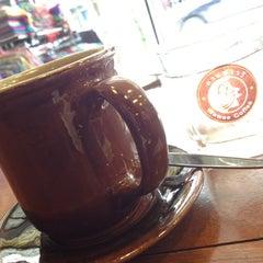 Photo taken at Wawee Coffee (กาแฟวาวี) by Jeng @. on 12/10/2012