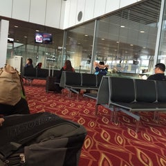 Photo taken at Gate A6 by Delviannie Lexyjanne A. on 9/3/2014