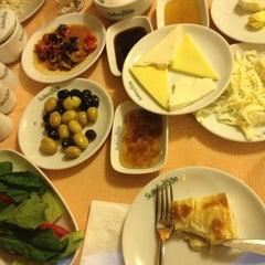 Sultanzade Sofrası tarihinde Berna Y.ziyaretçi tarafından 7/26/2013'de çekilen fotoğraf