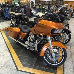 Photo taken at Jim's Harley-Davidson of St. Petersburg by Michael on 9/26/2014