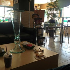 Photo taken at 5ta. Avenida Café by Daniel Ernesto on 1/14/2013