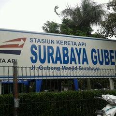 Photo taken at Stasiun Surabaya Gubeng by Meidian C. on 1/3/2013