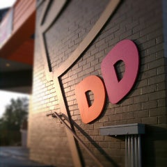 Photo taken at Dunkin Donuts by Kriz A. on 9/28/2012