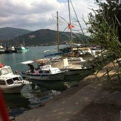 Photo taken at Torba Plajı by Mr.KΛRΛHΛN (. on 10/8/2012