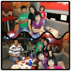 Photo taken at KFC by Mimi on 12/31/2014