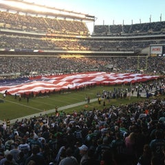 Photo taken at Lincoln Financial Field by Bill C. on 11/11/2012