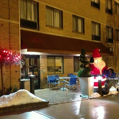 Photo taken at TownePlace Suites Detroit Warren by sman on 12/21/2013