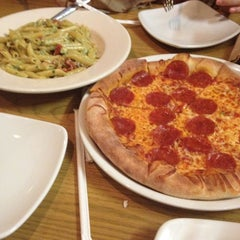 Photo taken at California Pizza Kitchen by 夏 罗. on 6/20/2013