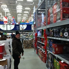 Photo taken at Lowe's Home Improvement by Bill on 11/30/2012