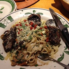 Photo taken at Olive Garden by Heather P. on 6/29/2013