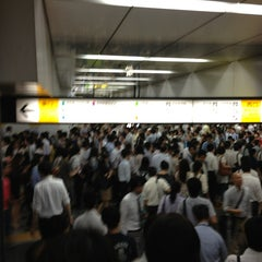 Photo taken at 新宿駅 (Shinjuku Sta.) by niena on 7/24/2013