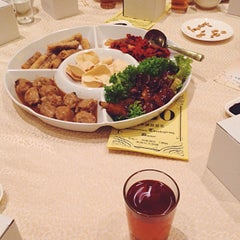 Photo taken at Oversea Restaurant by Cindy.XY 신디 on 9/19/2015