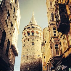 Photo taken at Galata Kulesi by Emrah E. on 10/16/2013