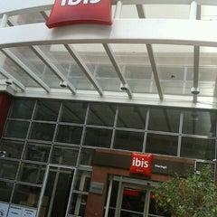 Photo taken at Ibis by Eduardo H. on 8/9/2013