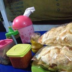Photo taken at Sop/Soto Ibu Lys Mardjono by Putra A. on 12/3/2012