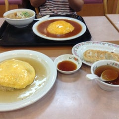 Photo taken at 餃子の王将 伊勢崎店 by たもっちゃん on 8/7/2013